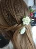 Blumenschmuck im Haar